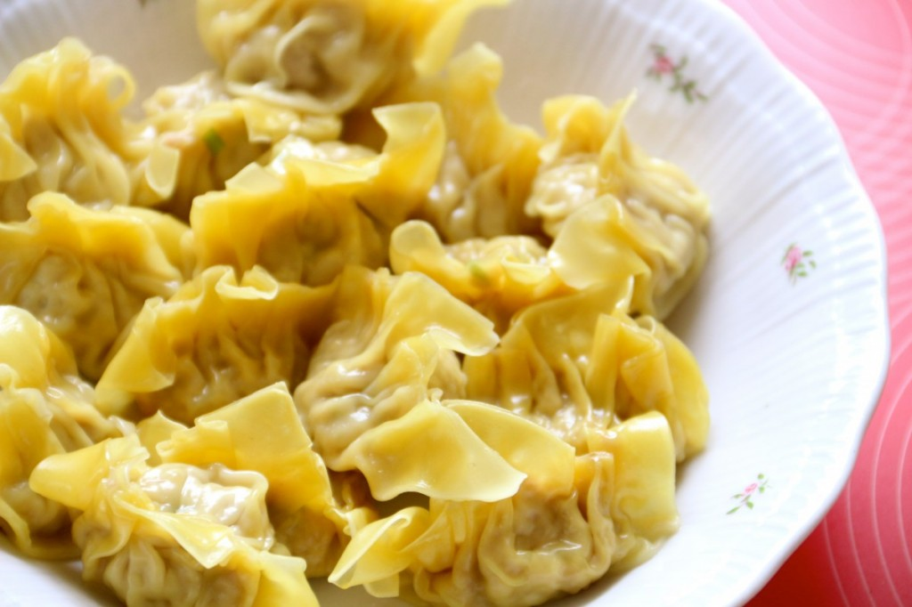 The healthiest chicken dumpling recipe for healthy toddler meal. Find more healthy toddler food recipe like this one at Healthy Little Plate.