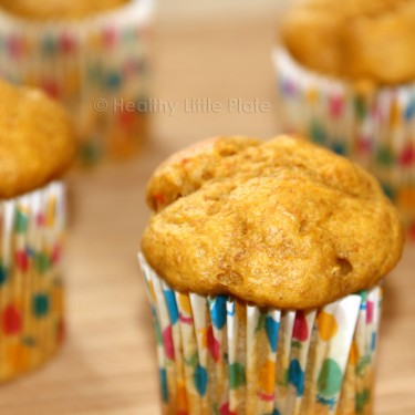 Delicious mini banana muffins for your healthy little monkeys ;)